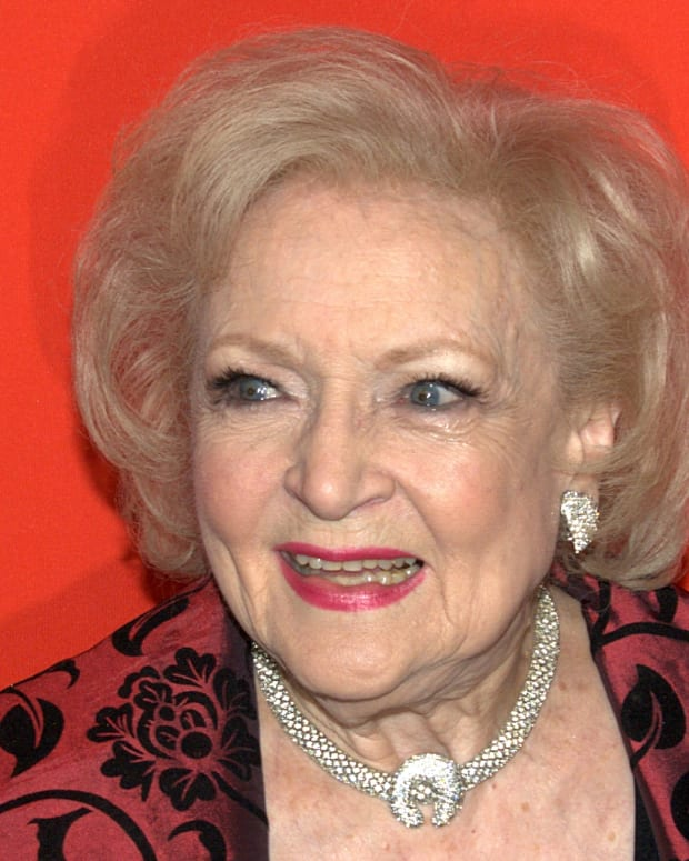 Betty_White_3_2010_Time_100_Shankbone_Wikimedia_Commons_promo.jpg