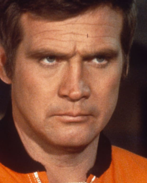 lee_majors_six_million_dollar_man_003_photofest_promo-4.jpg