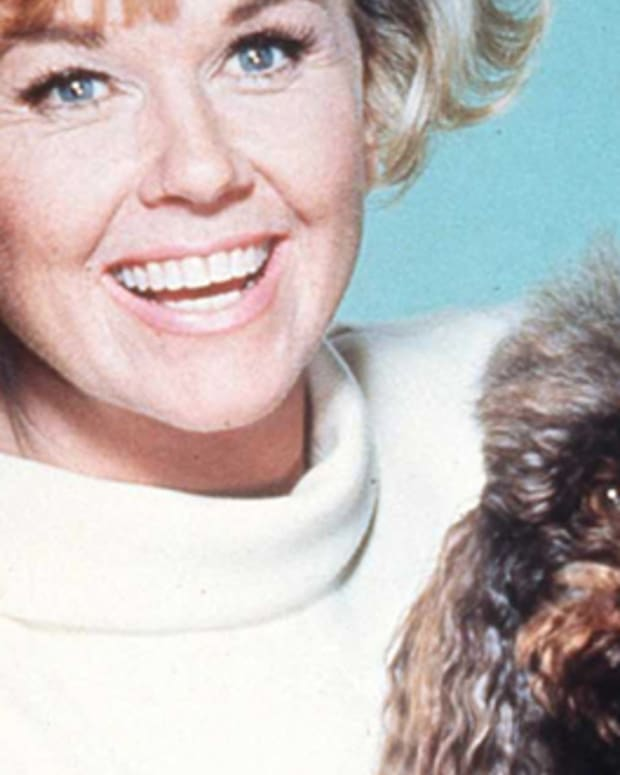 doris_day_with_dog_promo_7.jpg