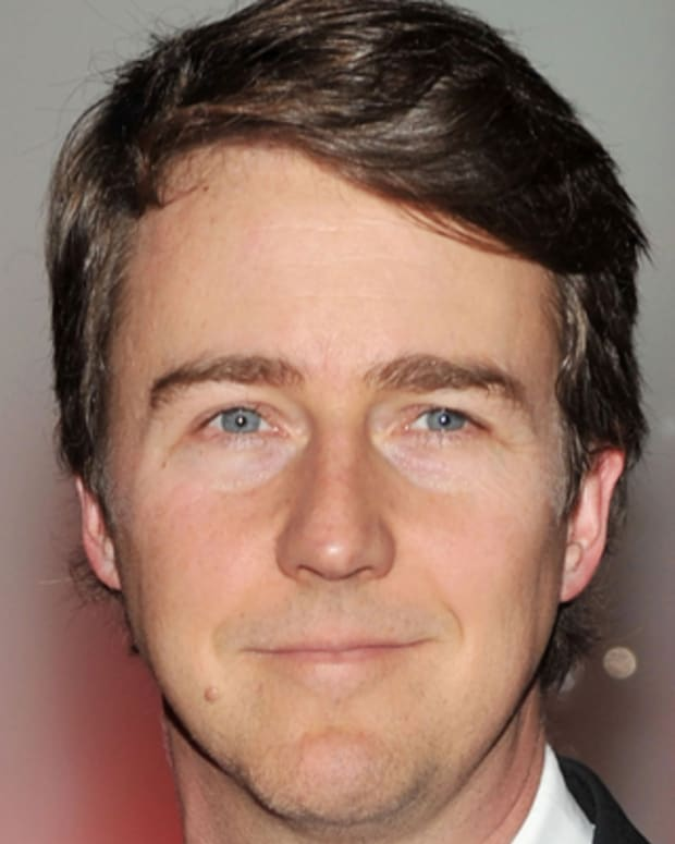 Edward-Norton-9542130-1-402
