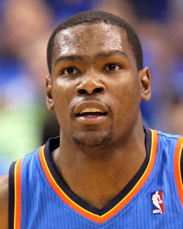 DALLAS, TX - MAY 25:  Kevin Durant #35 of the Oklahoma City Thunder runs back down court while taking on the Dallas Mavericks in the first quarter in Game Five of the Western Conference Finals during the 2011 NBA Playoffs at American Airlines Center on May 25, 2011 in Dallas, Texas. NOTE TO USER: User expressly acknowledges and agrees that, by downloading and or using this photograph, User is consenting to the terms and conditions of the Getty Images License Agreement.  (Photo by Ronald Martinez/Getty Images)