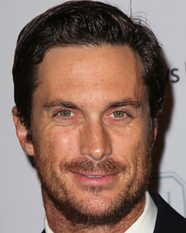 CULVER CITY, CA - NOVEMBER 03:  Actor Oliver Hudson attends the 1st Annual Baby2Baby Gala at The BookBindery on November 3, 2012 in Culver City, California.  (Photo by David Livingston/Getty Images)