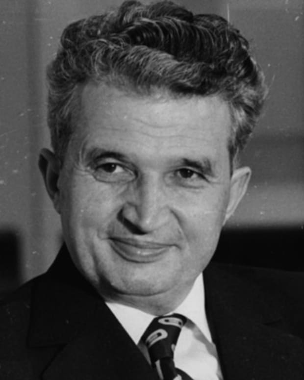 Nicolae-Ceausescu-38355-2-402
