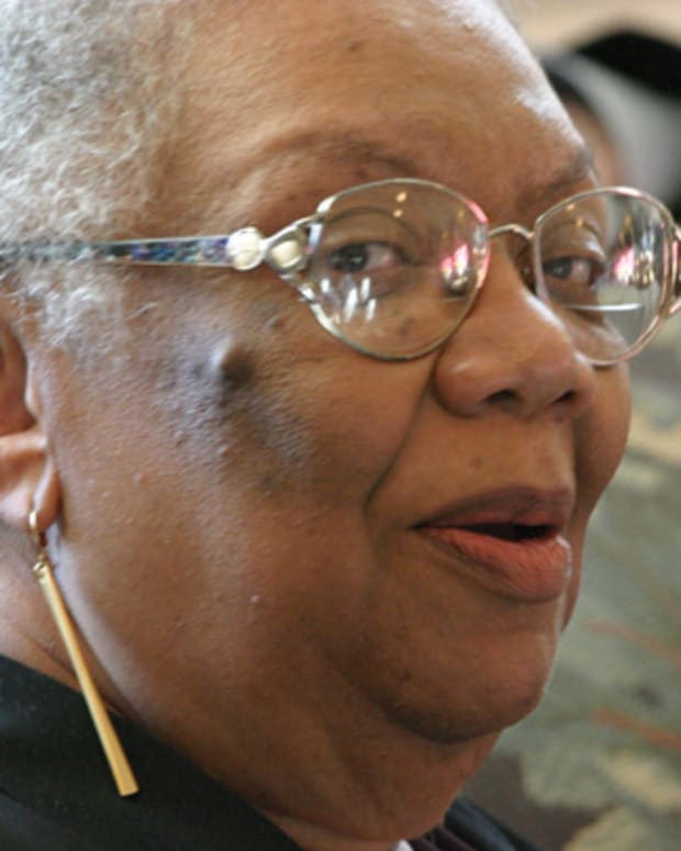 Lucille-Clifton-38520-1-402