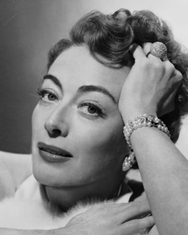 Joan-Crawford-9260899-1-402