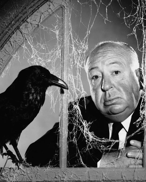 alfred-hitchcock_Birds-2-photofest-600x487.jpg