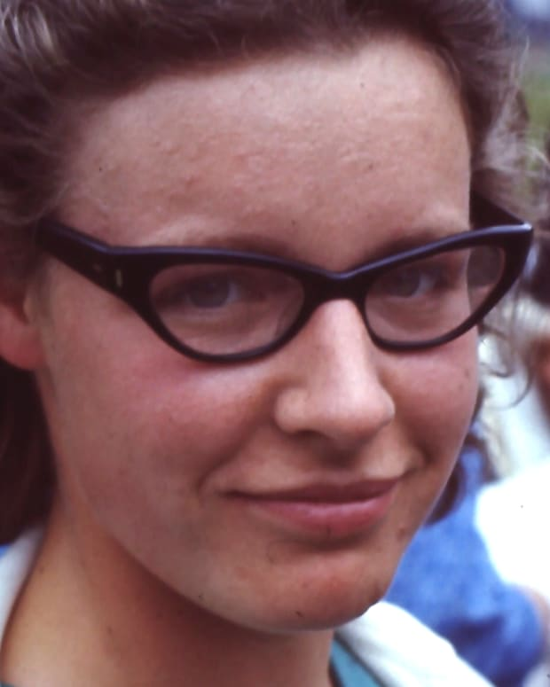 Jocelyn Bell Burnell Photo By Roger W Haworth (Flickr)  via Wikimedia Commons