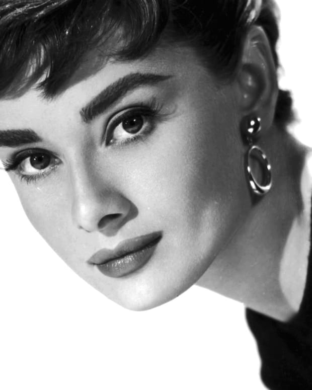 Audrey Hepburn - A Life in Full Circle