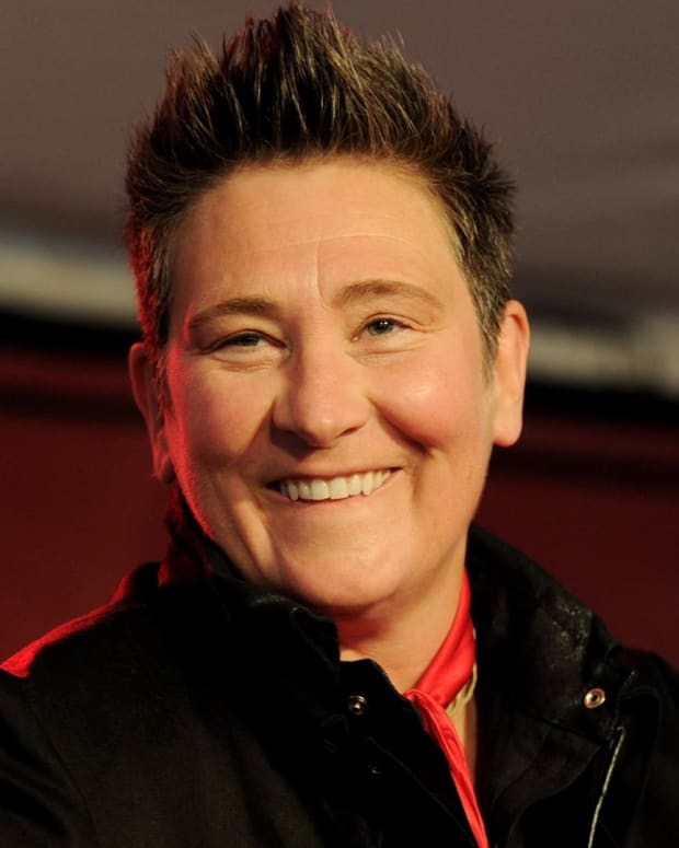 KD Lang - Groundbreaking LGBT Country Singer