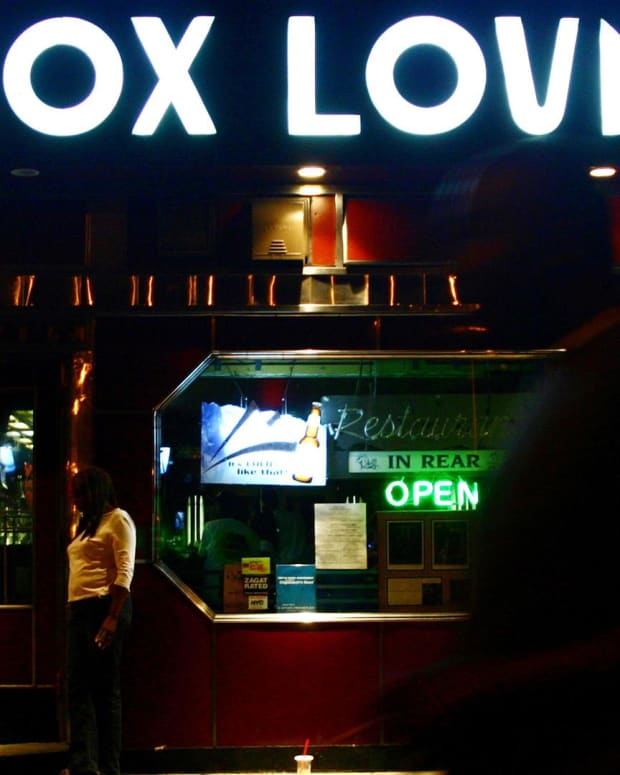 Lenox Lounge – Historic Harlem Jazz Club