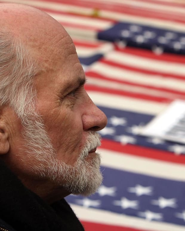 Ron Kovic - Born On the Fourth of July