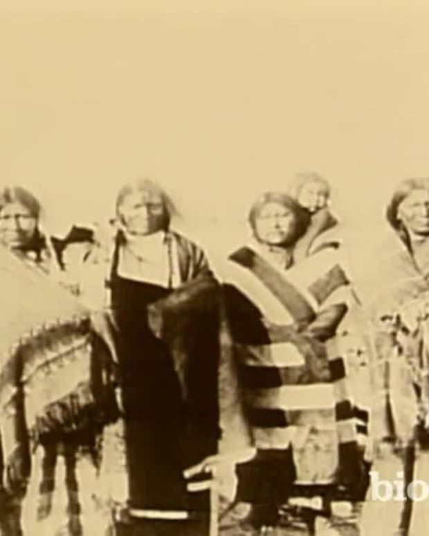 Sitting Bull - The Lakota Family