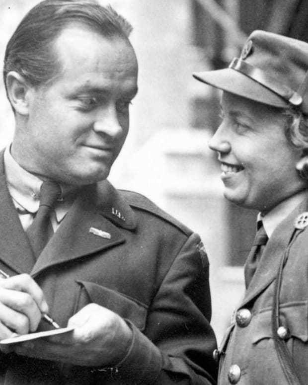 Bob Hope - Visiting the Troops