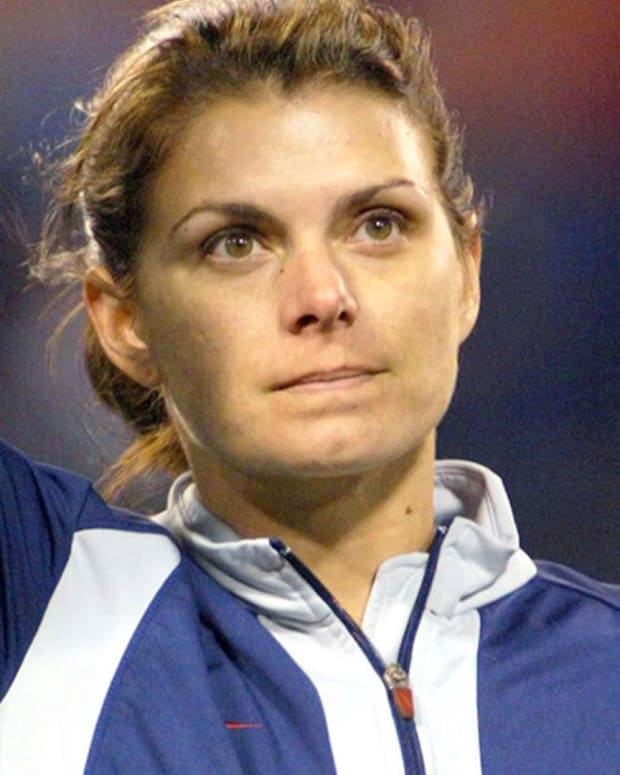 Mia Hamm - Mini Biography