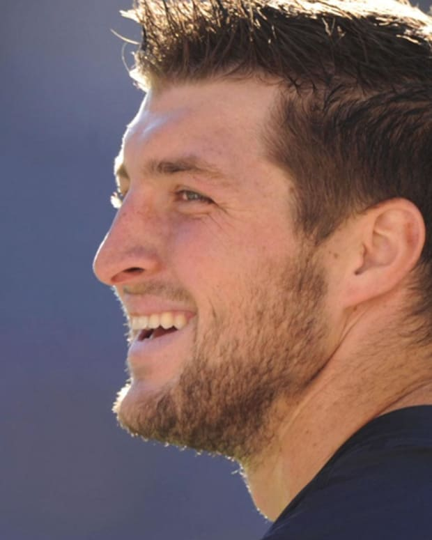 Tim Tebow - Mini Biography