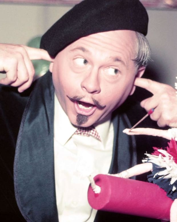 Mickey Rooney - Mini Biography