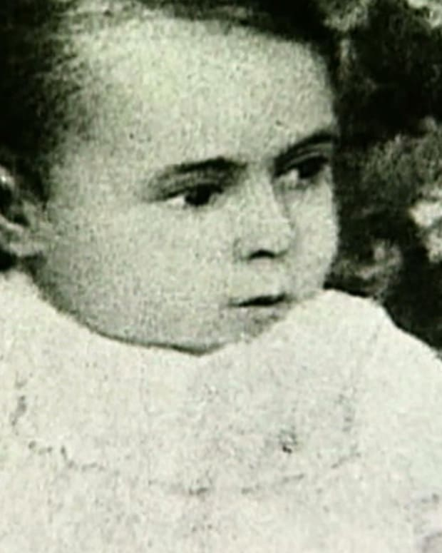 Jawaharlal Nehru - Early Life