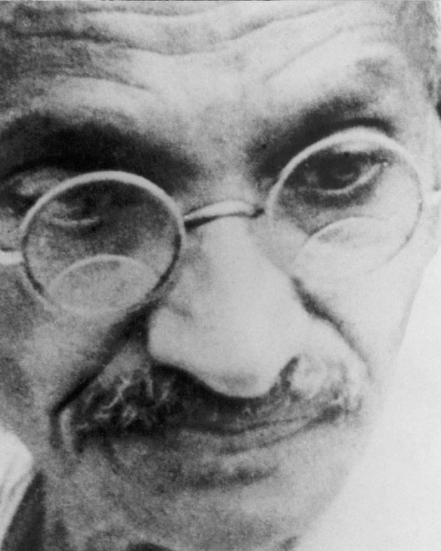 Gandhi - Mini Biography