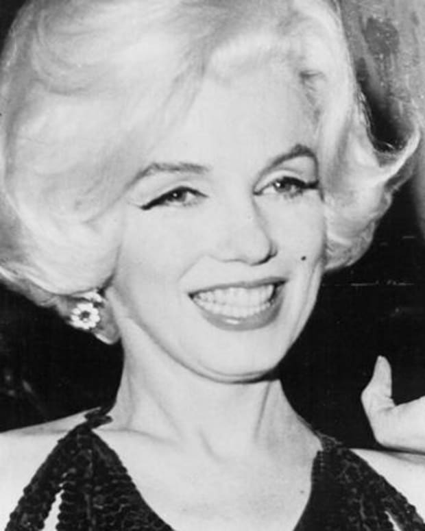 marilyn monroe biography This is the biography that most other authors of marilyn monroe books use as a  reference and guide it has been praised for its in-depth look.