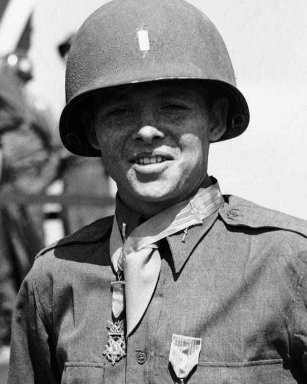 Audie Murphy - Joining the Military