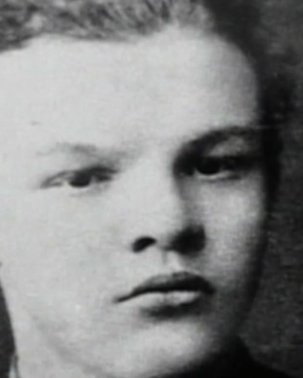 Vladimir Lenin - Early Life