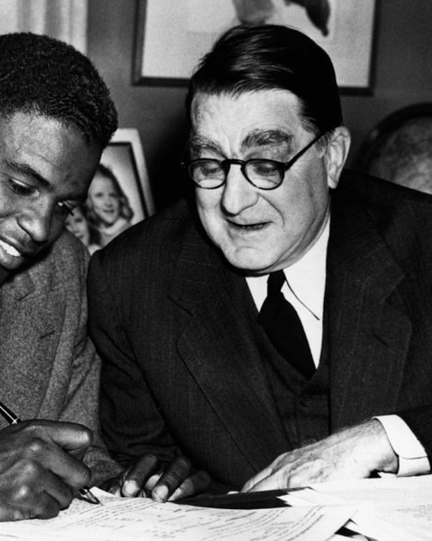 Jackie Robinson: Segregation and the Military