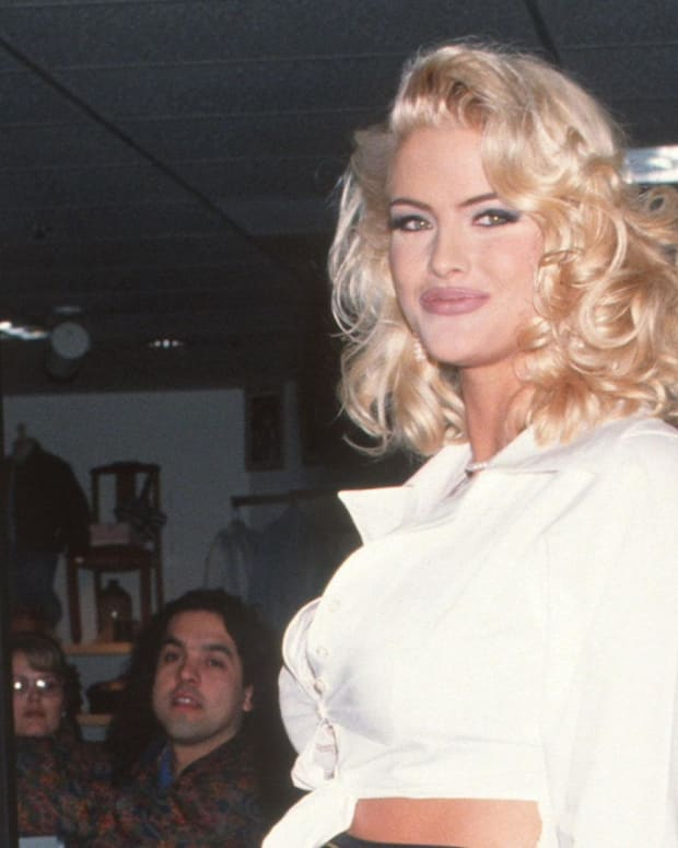 Anna Nicole Smith - Mini Biography
