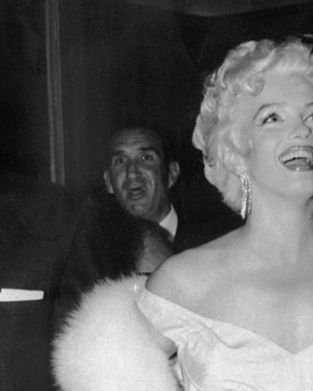 Marilyn Monroe - Marriage to Joe DiMaggio