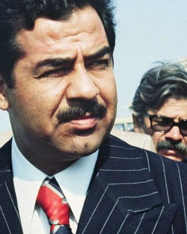 Saddam Hussein - Mini Biography