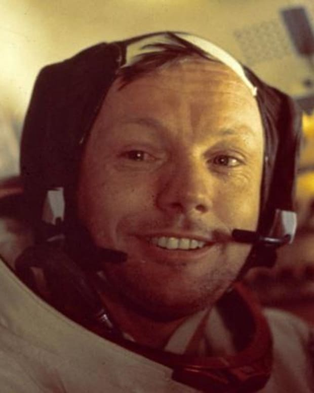 Neil Armstrong - First Walk on the Moon