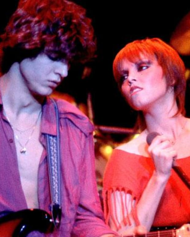 Pat Benatar - Mini Biography
