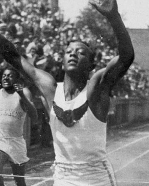 Jesse Owens - Mini Biography