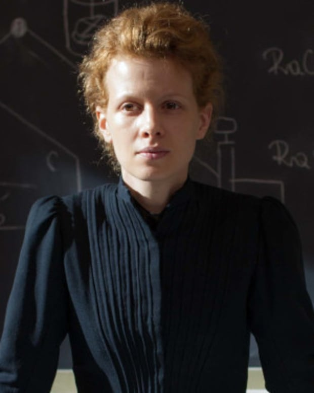 Karolina Gruszka in Marie Curie: The Courage of Knowledge