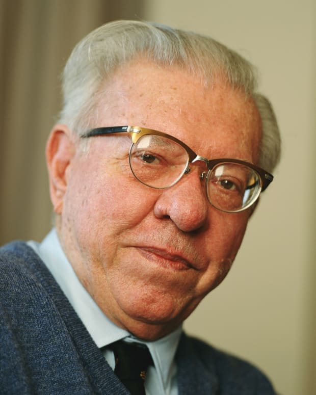 Fred Hoyle photo via Getty Images