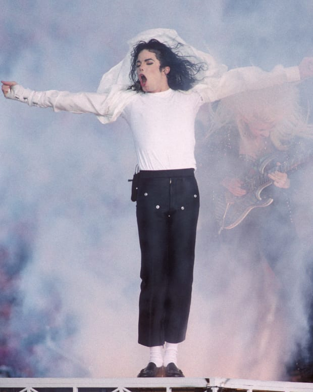 Michael Jackson Bio: Celebrity News, Articles & Commentary