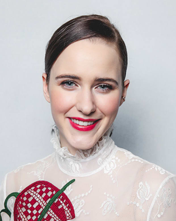 Rachel Brosnahan Photo