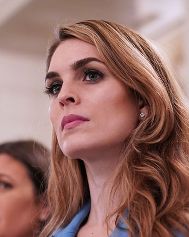 Hope Hicks Photo