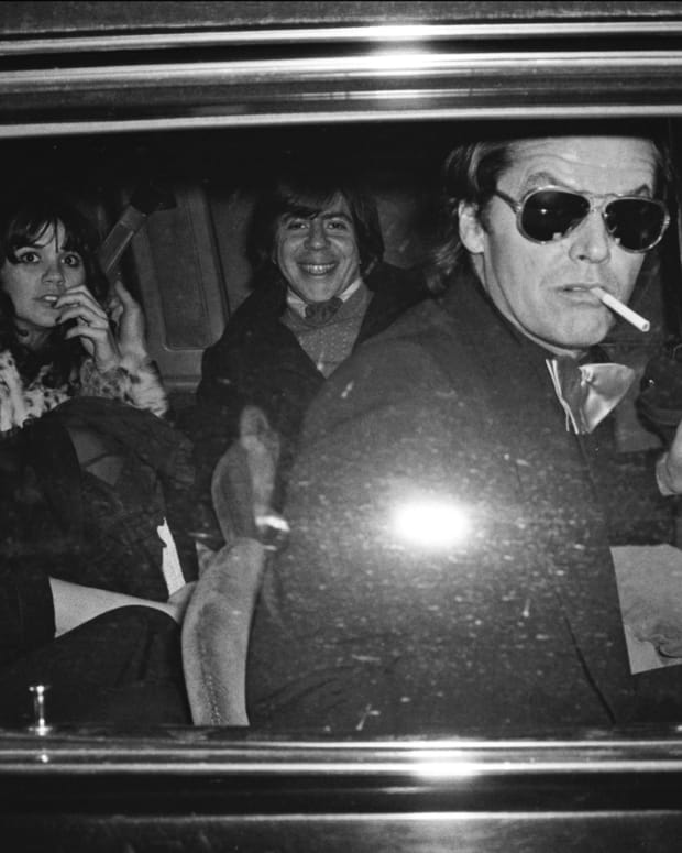 Jack Nicholson, Linda Ronstadt and Carl Bernstein leaving Georgetown's Pisces disco