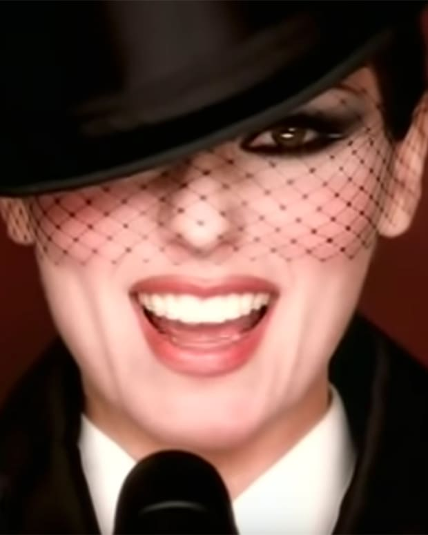 Shania Twain's Man, I Feel Like a Woman music video