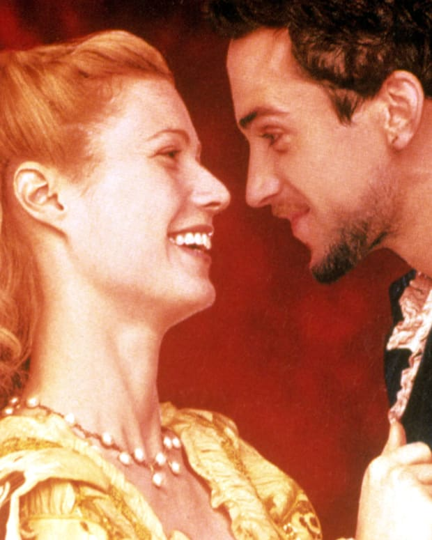 Gwyneth Paltrow and Joseph Fiennes in Shakespeare in Love
