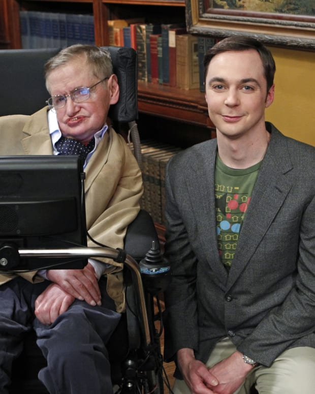 Stephen Hawking and Jim Parsons as Sheldon on The Big Bang Theory