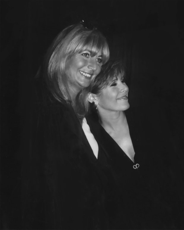 Penny Marshall and Carrie Fisher