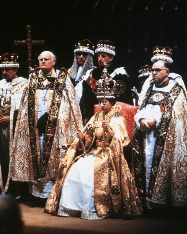 2_Queen Elizabeth II after her coronation ceremony in Westminster Abbey, London. (Photo by Hulton Archive:Getty Images)
