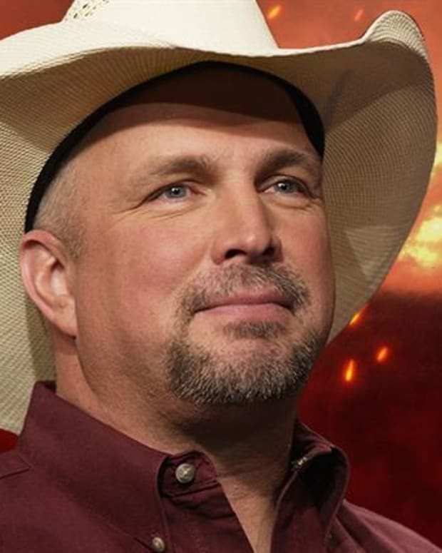 Biography Presents: Garth Brooks