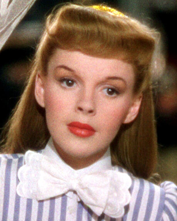 "How Judy Garland's Influence Changed the Lyrics to ""Have Yourself a Merry Little Christmas"""