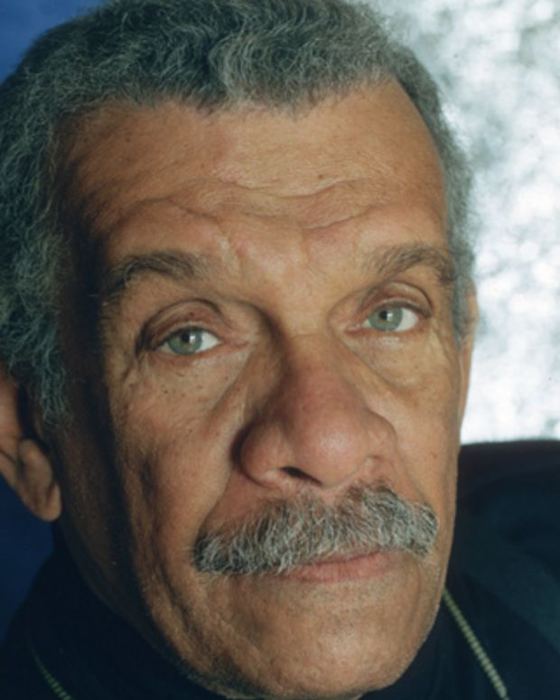 a biography of the caribbean poet derek alton walcott Derek walcott, a nobel-prize winning poet known for capturing the essence of his native caribbean, has died on the island of st lucia he was 87 walcott's death in the eastern caribbean nation was first confirmed today by his son, peter derek alton walcott, poet, playwright, and painter died.