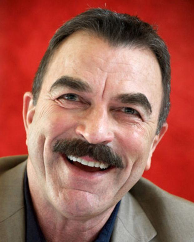 Tom-Selleck-9478607-1-402
