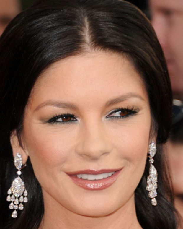 Catherine-Zeta-Jones-9540901-2-402