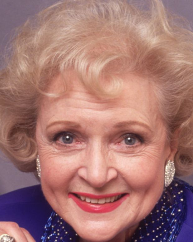 Betty-White-9542614-1-402