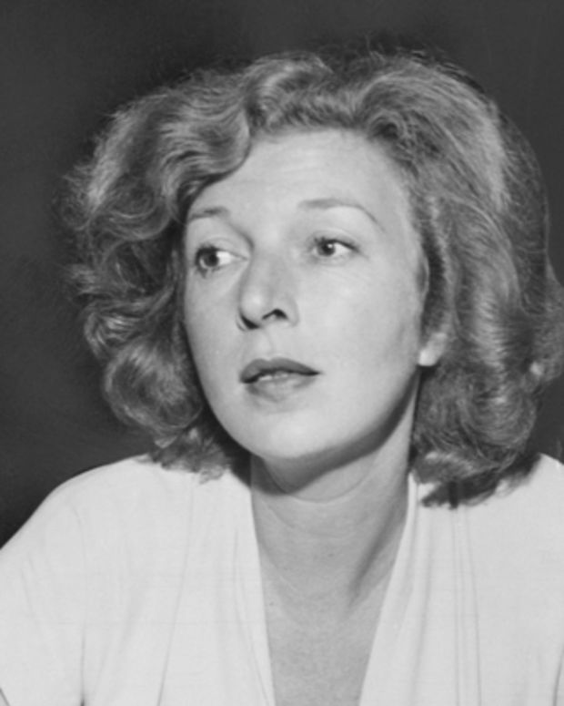 American novelist and war correspondent Martha Gellhorn (1908 - 1998) at a press conference held at the offices of the Spanish Refugee Appeal in New York City, circa 1946. Photo by FPG/Archive Photos/Getty Images)